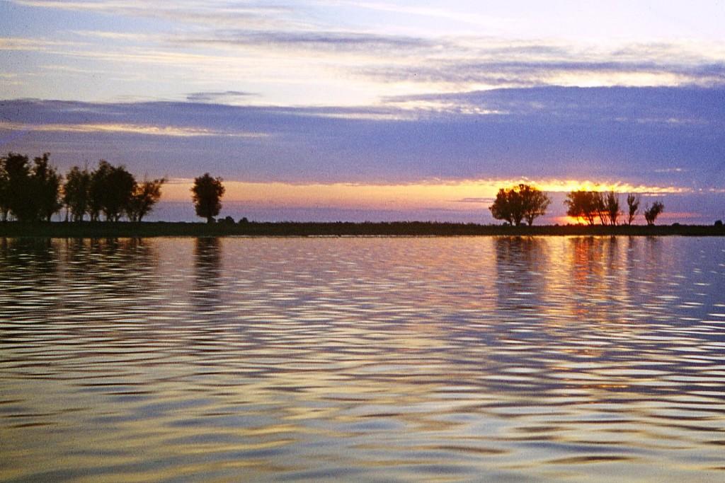 Закат в низовьях Волги